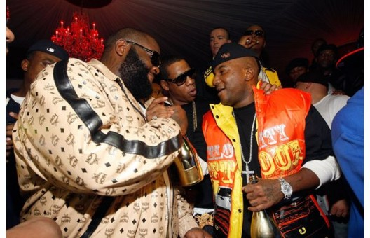 Young Jeezy & Rick Ross Get Into Shoving Match At BET Hip-Hop Awards...